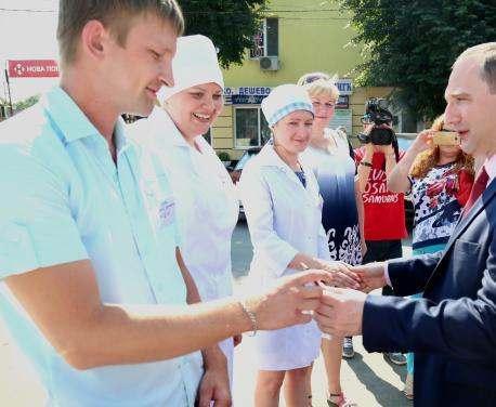 Медики Харьковского района получили 18 санитарных автомобилей