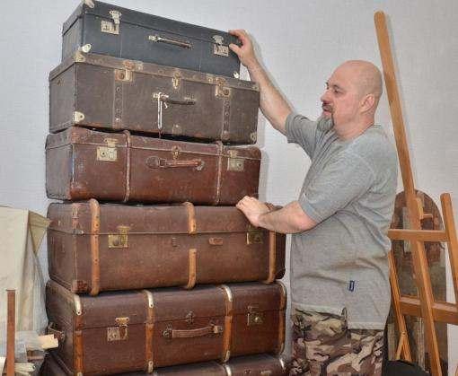 Харьковского коллекционера вытесняют из комнаты