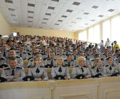На Харьковщине состоялся первый выпуск офицеров киберполиции