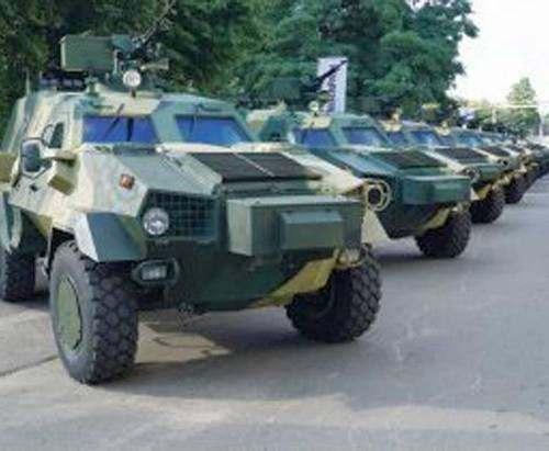 Харьковских военных вооружили новыми бронеавтомобилями