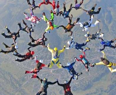 Харьковcкие парашютисты установили национальный рекорд Украины