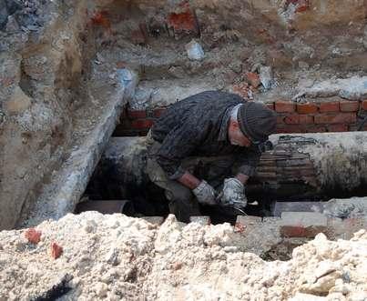 Что делает строительная техника на площади Свободы в Харькове