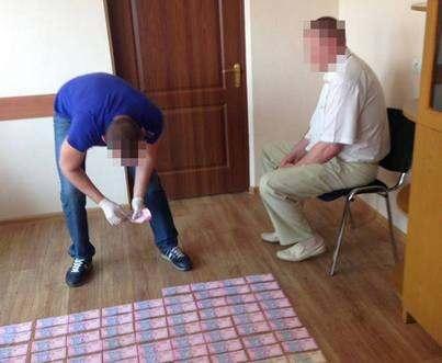 Сотрудника Харьковоблэнерго поймали на крупном