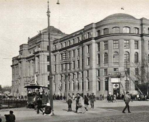 82 года назад Харьков вернул Киеву звание столицы