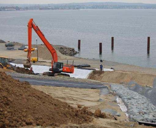 В Крыму начали строить судоходную часть Керченского моста