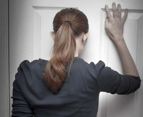 Если муж выселяет из квартиры