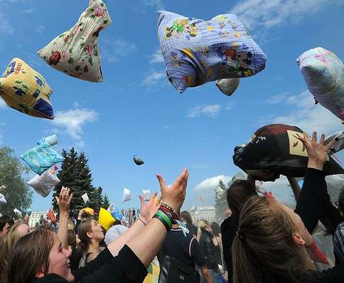 Харьковчан приглашают на подушечные сражения
