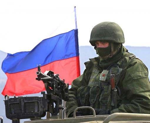 Россия стягивает войска к административной границе Крыма с материковой Украиной
