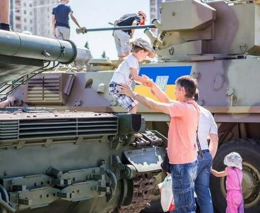 В центр Харькова подтянут военную технику