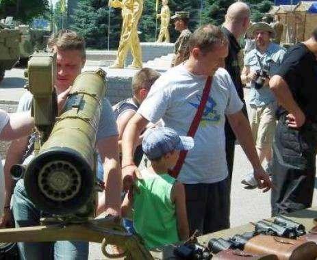 В центр Харькова выведут боевую технику