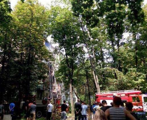 Пожар в Харькове: на Павловом поле загорелась пятиэтажка