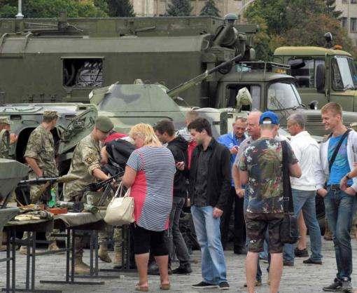 В Харькове военкомат провел акцию на площади