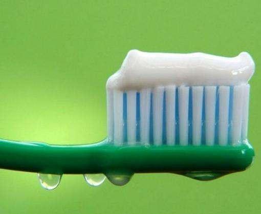 Никакой боли: как запломбировать дырку в зубе без стоматолога