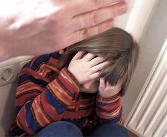 На Харьковщине пьяная мать убила двухлетнюю дочь за пачку сухарей