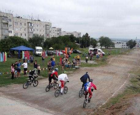 В Купянске соревновались на велосипедах