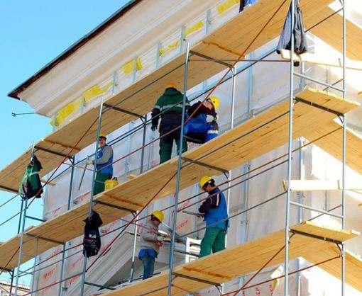 В центре Харькова ремонтируют фасады домов