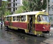 В Харькове пешеход попал под трамвай