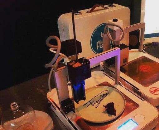 В голландской больнице собираются печатать обеды на 3D-принтере: фото-факт