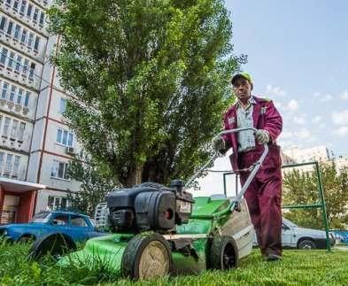 В Харькове продолжают благоустраивать дворы