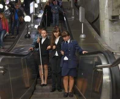 В харьковском метро организовали службу помощи незрячим