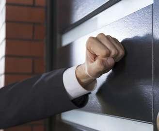 Частным фирмам разрешено заниматься взысканием долгов