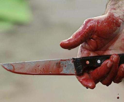 Мужчина на Харьковщине всадил нож в сердце жены