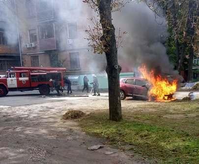 Пожар в Харькове: на Данилевского сгорел Nissan Qashqai