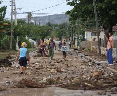 Ураган Мэтью убил на Гаити более 300 человек: фото-факты