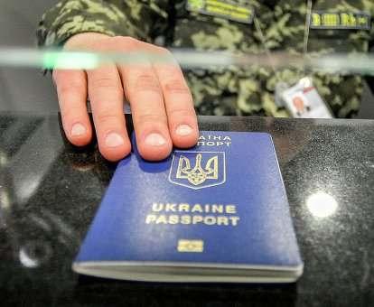 Рада отложила введение визового режима с Россией