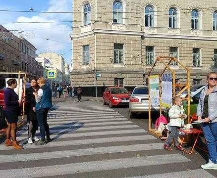 В Харькове новые остановки на Сумской побудут до понедельника