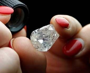 Алмазы оказались ключевым элементом компьютеров будущего