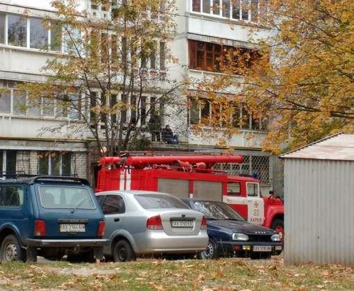 В Харькове мужчина выпал с балкона