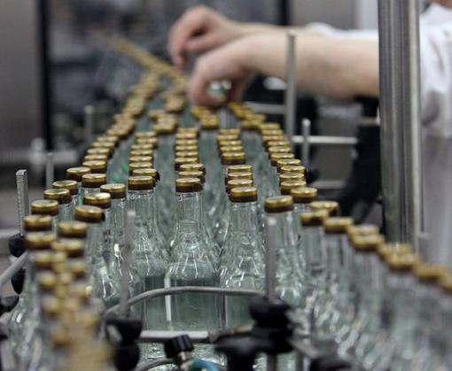 На харьковском заводе изъяли контрафактную водку стоимостью 30 миллионов гривен