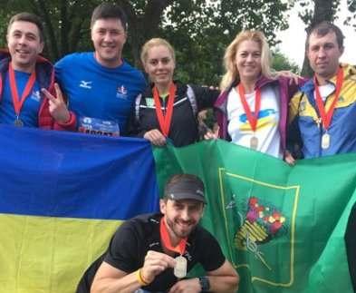 Шестеро харьковчан пробежали марафон в Амстердаме