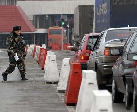 На украино-польской границе снова образовались очереди автомобилей