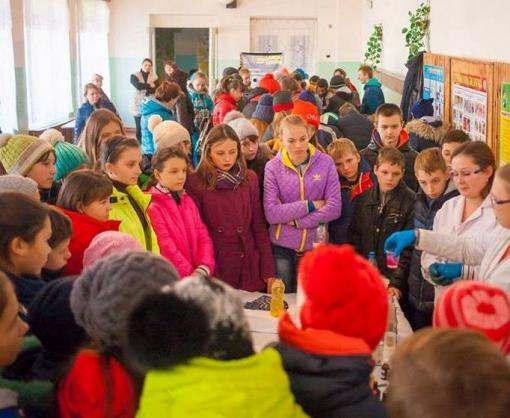Школьники Харьковской области увидели «Выставку интересной университетской науки»