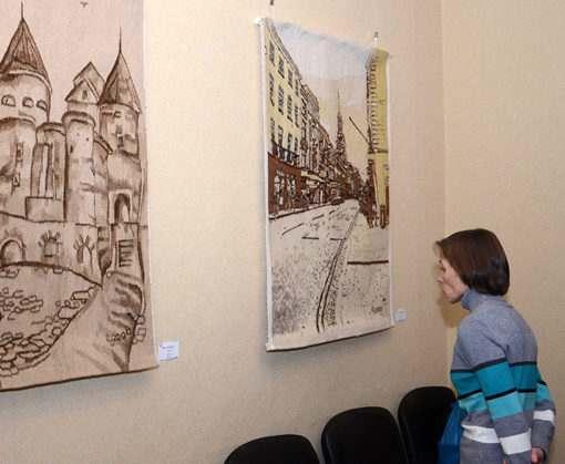 Харьковский архитектор пишет музыку и ткет гобелены