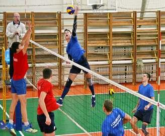 Волейбол: харьковский «Локомотив» стал единоличным лидером