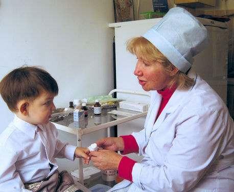 Школьная медсестра – она вроде есть, но ее тут же нет