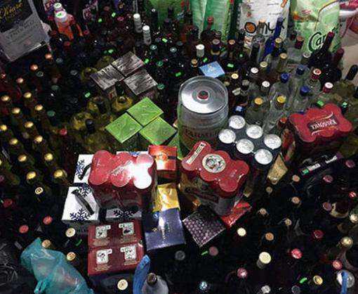 Под Харьковом изъяли сотни бутылок нелегального алкоголя