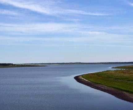 Краснопавловское водохранилище продолжает заливать большой днепровской водой