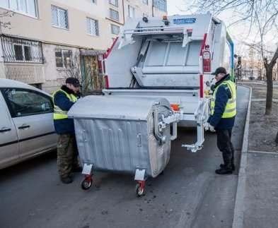 На дороги Харькова выехали новые мусоровозы