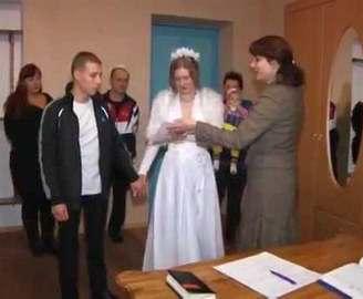 В харьковских колониях наблюдается свадебный бум