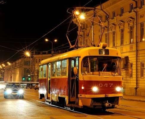 Харьковские троллейбусы и трамваи продолжат работать в ночное время
