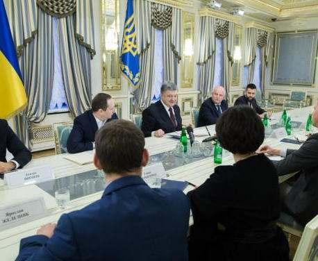 Президент Украины подписал еще один антикоррупционный закон