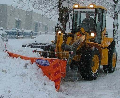 За выходные в Харькове убрали более 600 кубометров снега