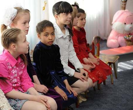 Волонтеры приготовили для харьковских детей необычные подарки