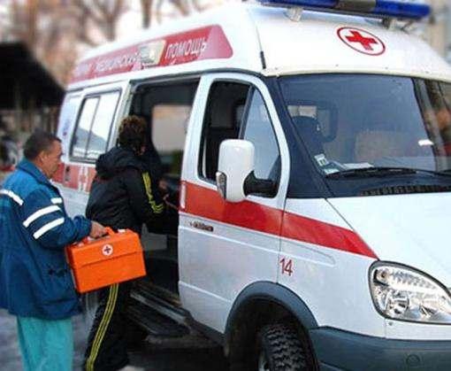 В Харькове женщину травмировал упавший с крыши лед