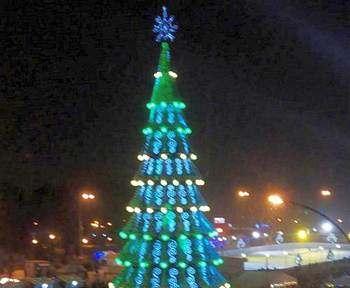 В Харькове открылась главная елка города