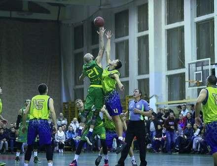 Тренеру харьковских баскетболистов запретили приходить на игру